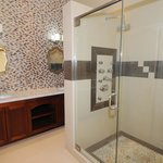 Bathroom Suite with His & Hers Sink, Jacuzzi Whirlpool and State of the Art Showing System