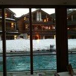 piscina dalla sala relax