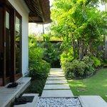 Serene Villa Palm #2: Path along the master bedroom