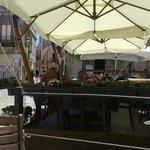 Scorcio della piazza dove è situato il bar