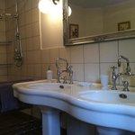 Salle de bain de notre chambre Amandine