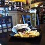Hamburger di black angus americano e augustiner pils!!!!