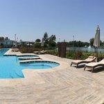 Бассейн Azure Villas