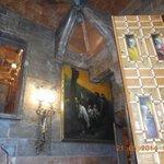 niveau mezzanine  avec tableaux