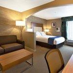 Queen Business Suite