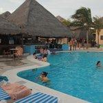 Pool bar, muy bueno servicio y mucho alcohol