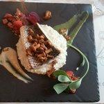 Barre sur lit de rissoto accompagné d'un tartare de tomate et fraise