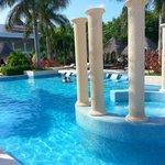 Laguna Villas exclusive pool