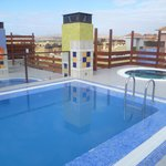 The roof terrace Jacuzzi and the pool