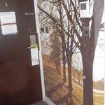 Décoration dans l'entrée et thermostat d'ambiance