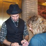 Ramin signing my shirt~swoon