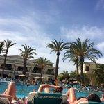 Gran oasis pool area