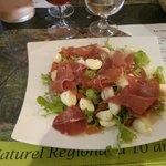 Salade italienne jambon mozza serrano tomate salade