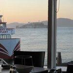 vue sue Alcatraz + coucher de soleil depuis notre table...