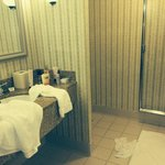bathroom King suite