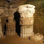 Эти колонны помнят Юлия Цезаря