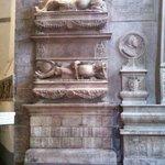 San Domenico Maggiore, particolari interni