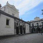 église cour intérieure