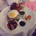 nasi goreng-room service