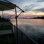 Il tramonto sull'Arno dalla terrazza del ristorante