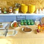 Breakfast buffet bit