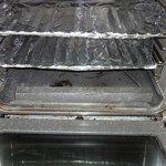 Unpleasant & rusty oven