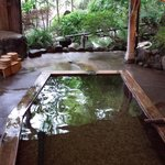 離れの露天風呂「母里の湯」