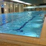 Внутренний бассейн с морской водой