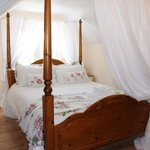 Four Poster Room 4