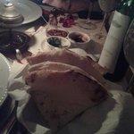 Pan con anacardos, pasas, coco y miel