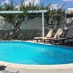 La piscine de derrière