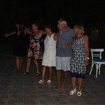 serata greca con danze tipiche