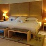 Conrad Suites - Huge King Bed (2 x Queens together!)