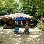 Aussenansicht eigener Strandabschnitt mit Villa