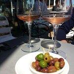 fantastisch lekker rosé wijntje in de zomerzon