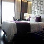 Aubergine-Themed Room