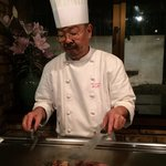 Chef Yoshida cooked every piece of garlic & beef carefully.