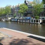 Amsterdam canali ed abitazioni sull'acqua
