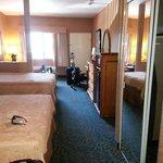 2 Queen Mini Suite.