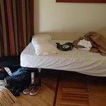 Extra säng (denna gnisslade mest)