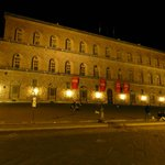 This is the Pallzio Pitti, the home of the Medicis in Firenze