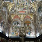 Libreria Piccolomini all'interno del Duomo di Siena