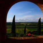 Blick vom Balkon, im Hintergrund Siena