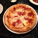 Kid's Pepperoni Pizza (big and good)