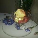 IL sontuoso gelato alla crema mantecato
