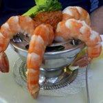 shrimp cocktail w/spicy sauce