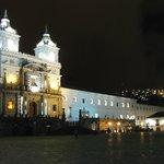 Night view: Plaza San Francisco