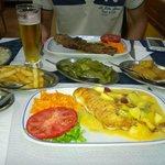Brochette de boeuf et filet de sabre noir sauce tropicale