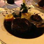Filet mignon in shallot red wine