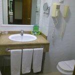 SILKEN RÍO Cuarto baño 2014-03